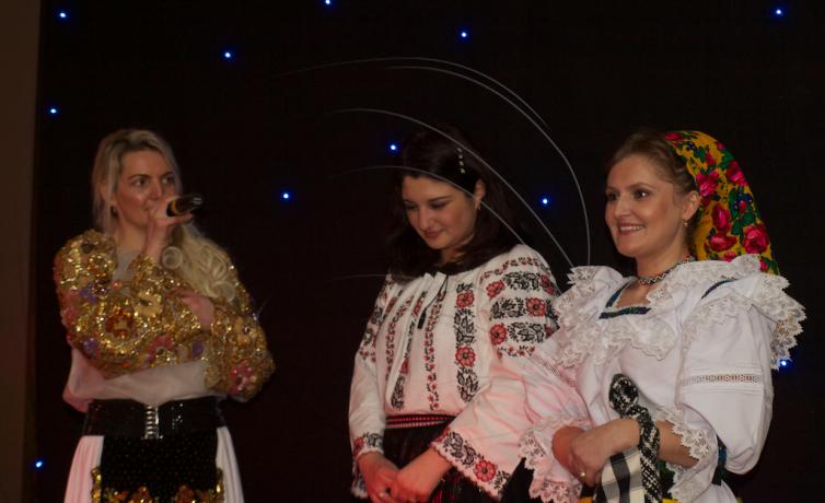 Click: Gala comunitatilor etnice din SV Angliei 2014